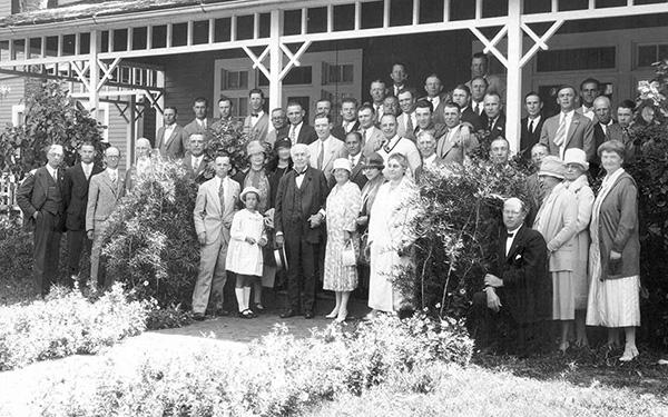 Thomas Edison, Connie Mack and Philadelphia A's R.Q. Richards with Florida Kiwanians. Photo courtesy of Edison & Ford Winter Estates.