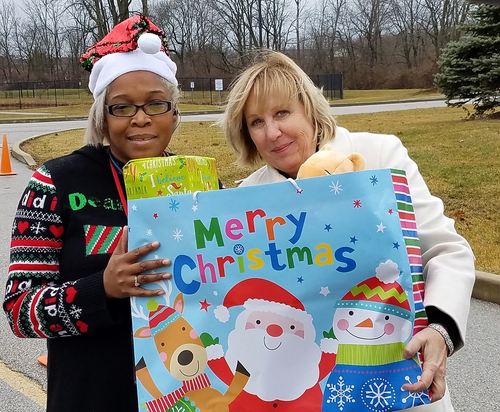Kiwanis delivers a happy holiday to many families
