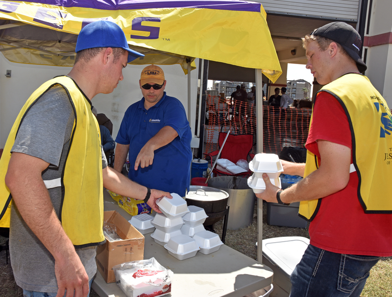 Kiwanis cooking crew travels nine hours to serve hurricane clean-up volunteers, residents